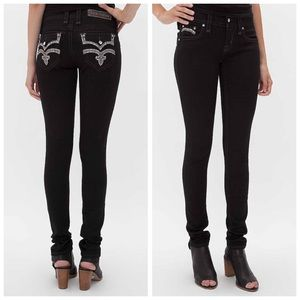 Brand New Rock Revival Karla skinny in black
